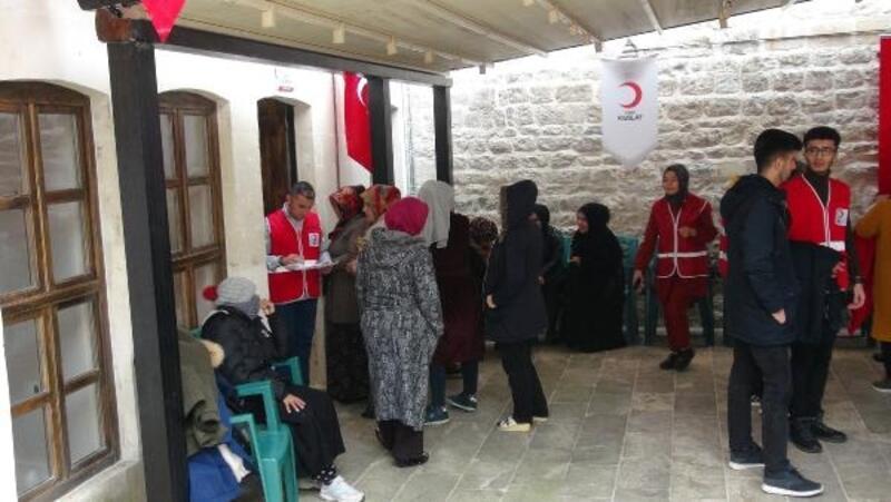 Kilis'te 6500 aileye kıyafet yardımı