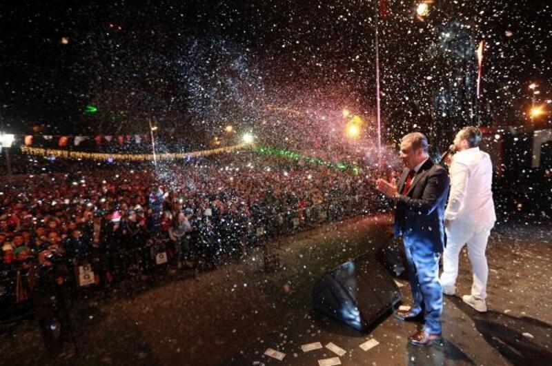 Antalya yeni yılı coşkuyla karşıladı