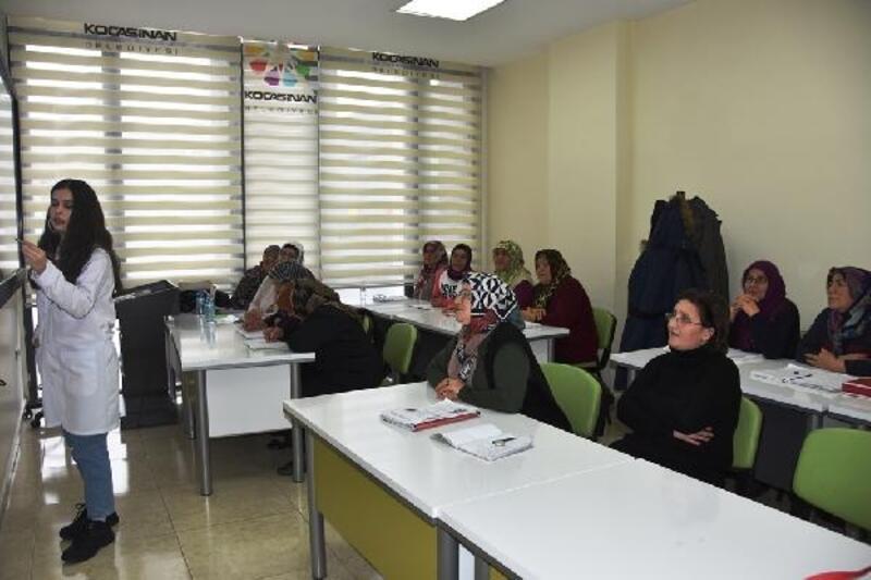 Kocasinan'da 252 kişi okuma ve yazma öğrendi