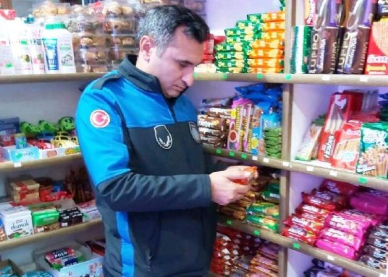 Altınova Belediyesi zabıta ekiplerinden denetim