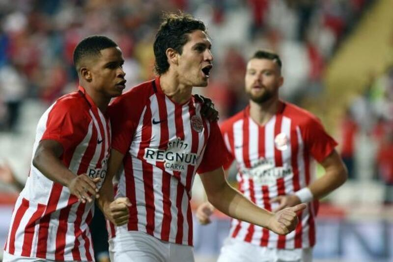Antalyaspor'da 10 futbolcu 15 gol attı