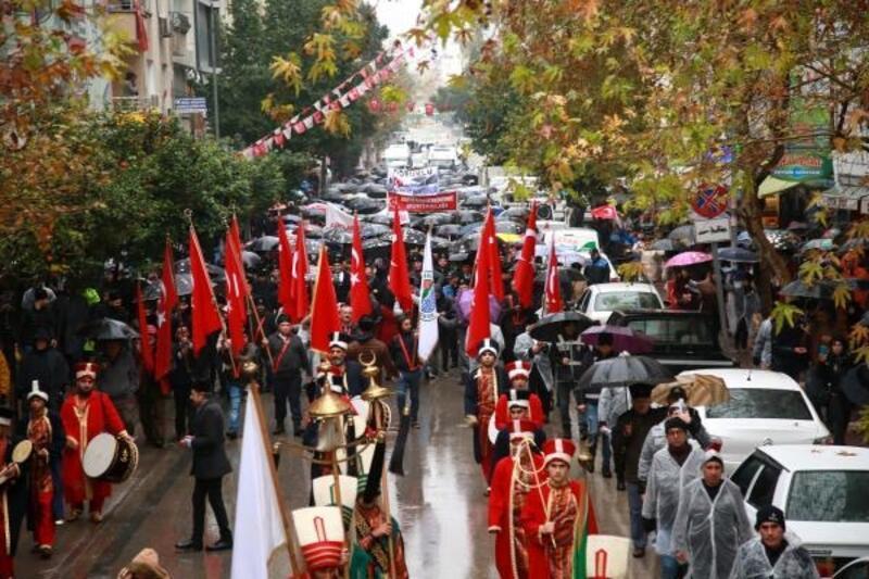 Mersin'de zafer yürüyüşü