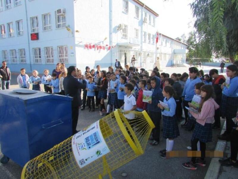 Çiğli Belediyesi'nden okullara çevre dostu hediye