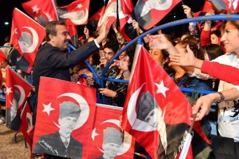 Başkan Soner Çetin, 5 Ocak Kurtuluş Bayramını kutladı