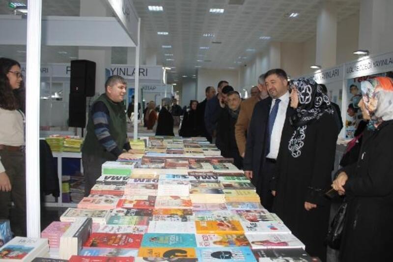Giresun'da kitap fuarı açıldı