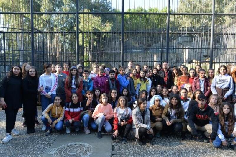 60 öğrenci ilk kez Tarsus Hayvan Parkı'nı gezdi