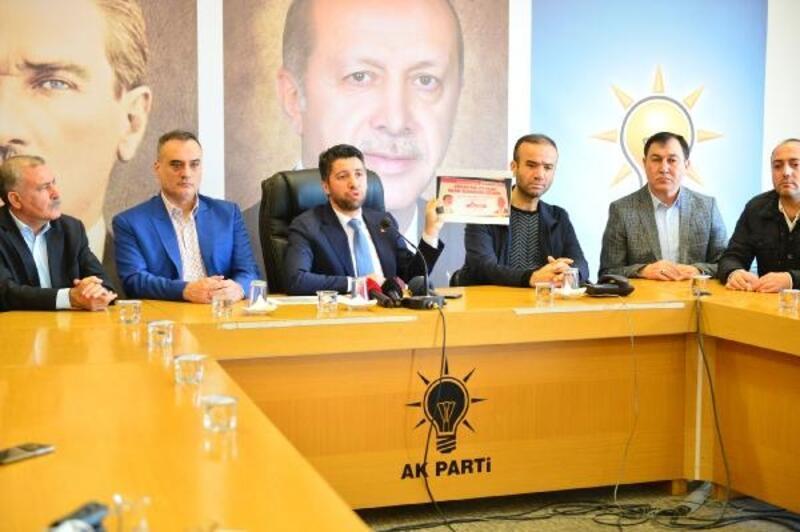 Çukurova Belediyesi'nin toplu tapu dağıtım töreninde 'yetki' tartışması