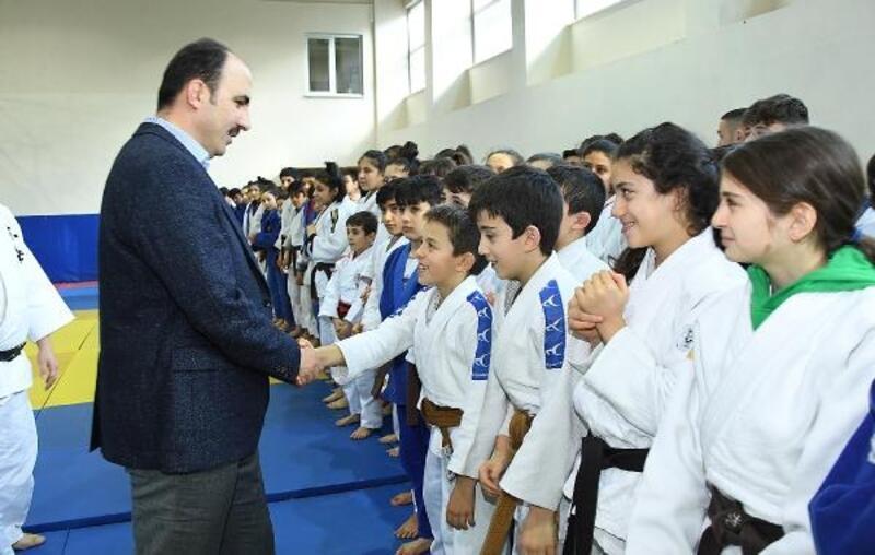 Başkan Altay Konya'da kamp yapan judocularla buluştu