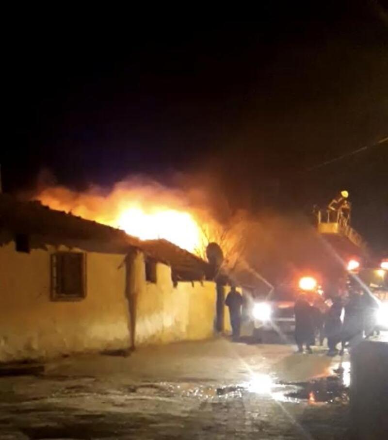 Malkara'da yanan ev kullanılamaz hale geldi