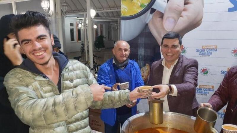 Kepez'den öğrencilere sıcak çorba