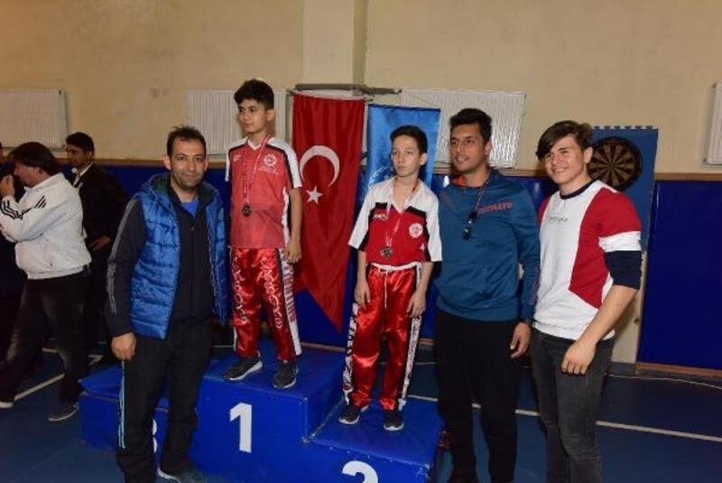 Kick boksun birincileri belirlendi