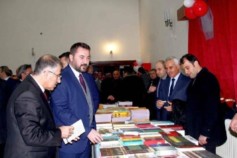 Turhal'da kitap fuarını 80 bin kişi ziyaret etti