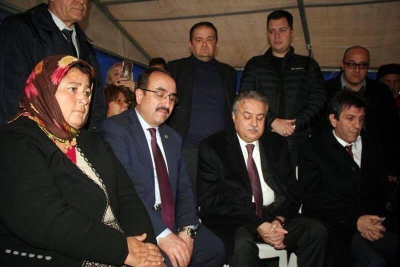 Bakan yardımcısı Özkaldı, selde ölen Öngel'in ailesine taziye ziyaretinde bulundu