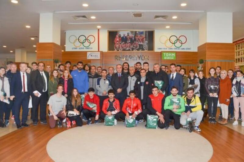 Gençlik ve Spor İl Müdürü Başparmak, TOHM sporcularıyla bir araya geldi