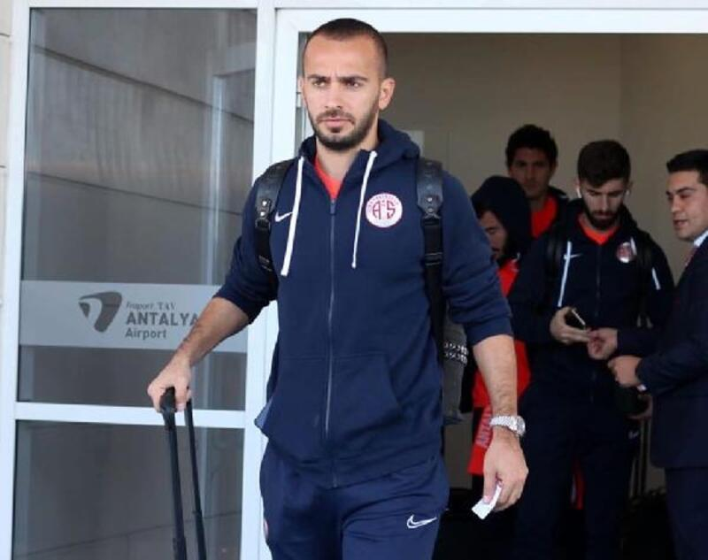 Antalyaspor'da Salih ile Eren asker