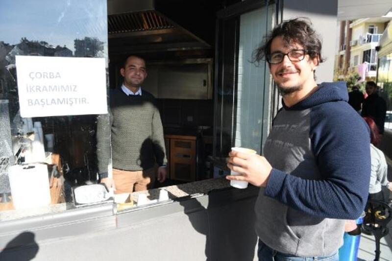 Belediyeden öğrencilere ücretsiz çorba