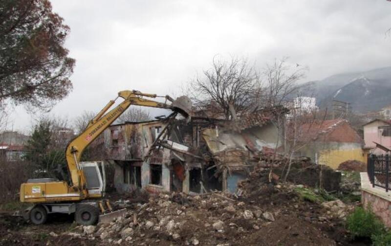 Osmangazi'de 2019 yılında 100 metruk bina yıkıldı