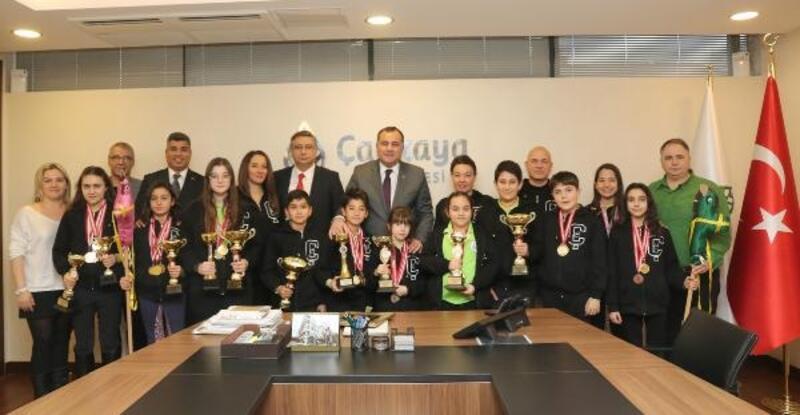 Başkan Taşdelen, Binicilik Kulübü sporcularını ağırladı