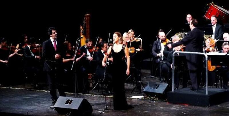 Tango konserini büyüledi