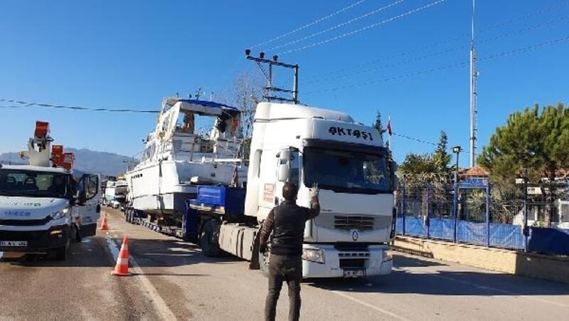Kurşunlu Limanı'nda evrak eksiği olan yatlar kaldırıldı