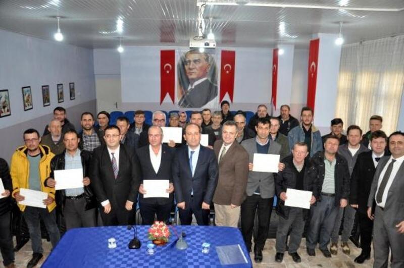 Kursa katılıp, 'sürü yönetim' belgesi aldılar
