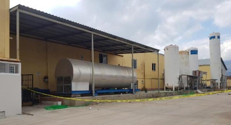 Sanayi sitesinde oksijen tüpü patladı: 2 yaralı