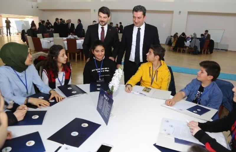 Sivas'ta 'Benim belediyem' gençlik çalıştayı