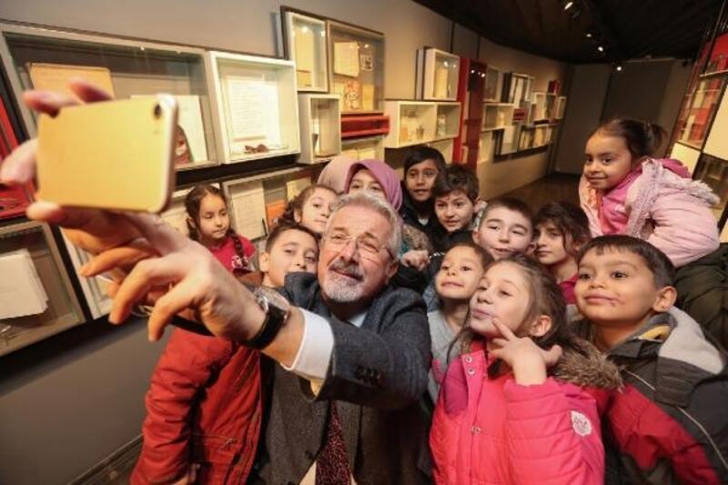 Başkan Erdem'den müzede selfie
