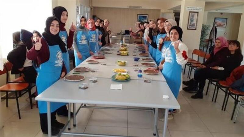 Sivas'ta gençler mutfak atölyesinde buluşuyor