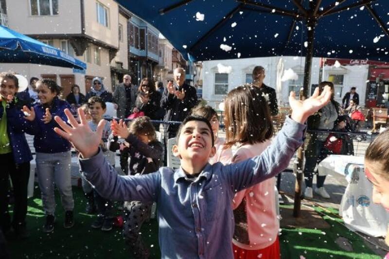 Başkan Türkyılmaz'dan öğrencilere karne hediyesi