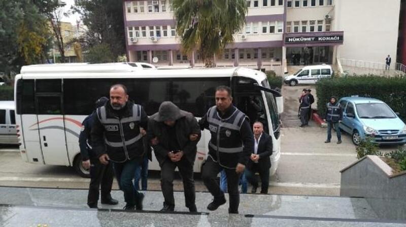 Kozan'da fefecilik operasyonunda gözaltına alınanlaradliyeye çıkarıldı