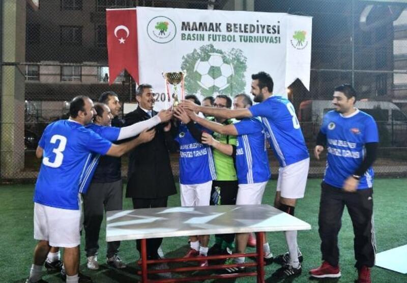 Basın Futbol Turnuvası'nın şampiyonu TRT oldu