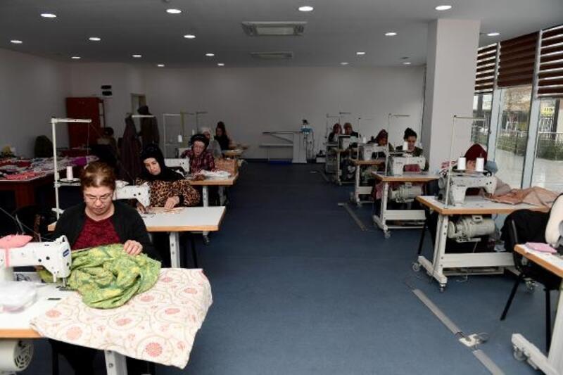 Engelli çocukların annelerine dikiş kursu