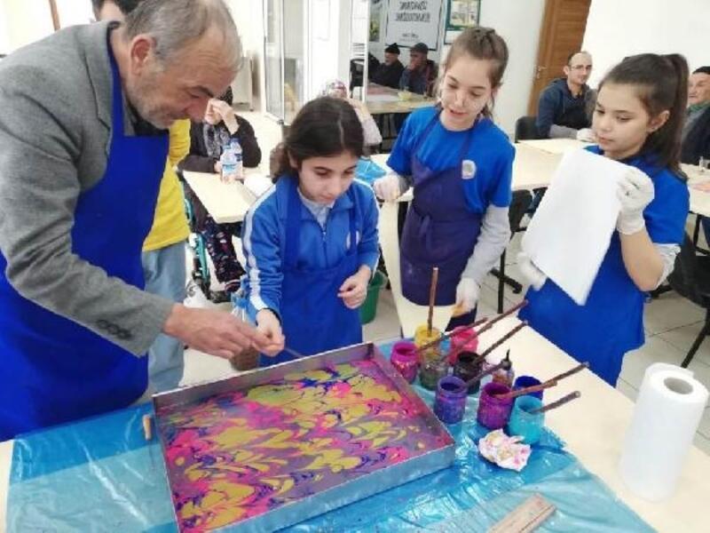 Huzurevi sakinleri hayatın renklerini paylaşıyor