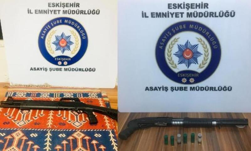 Eskişehir'de 2 ruhsatsız tüfek ele geçirildi