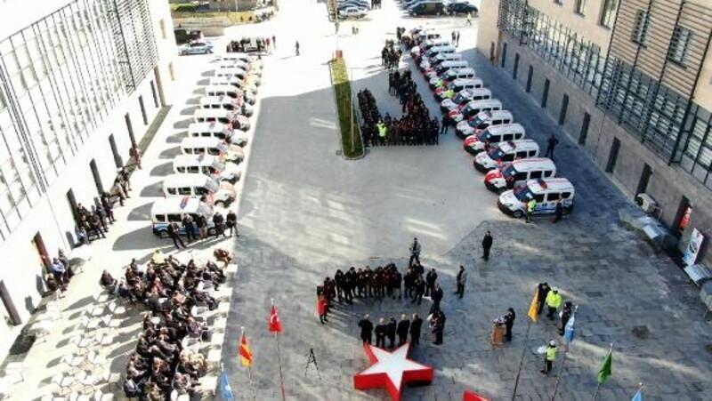 Kahramanmaraş'ta iş adamlarından emniyete 27 araç