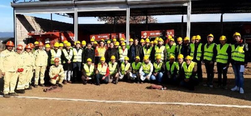 Gediz'de 57 yangın gönüllüsüne eğitim verildi