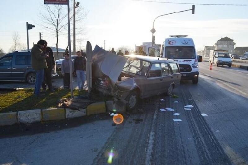Hendek'te kaza: 4 yaralı