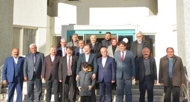 AK Parti'li Öz'den Dinar'a ziyaret