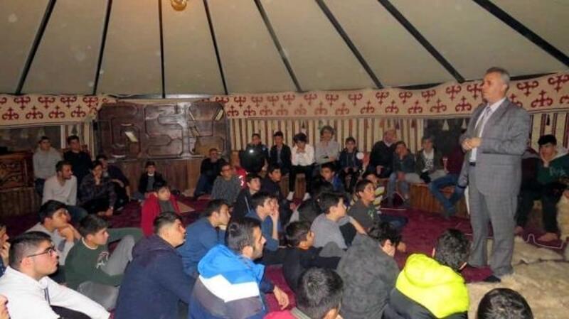 Otağı çadırında Afet Bilinci eğitimi
