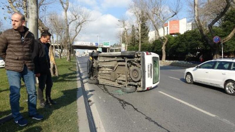 Beşiktaş'ta kırmızı ışıkta geçen sürücü kaza yaptı