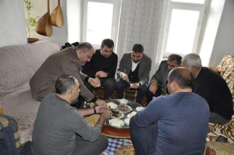 AK Parti'den Hozat'ta ev ziyaretleri