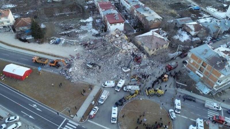 Elazığ merkezli 6.8'lik deprem, yurdun doğusunu salladı: 20 ölü