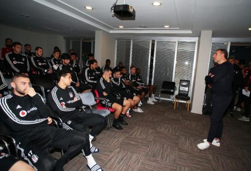 Beşiktaş'ta Abdullah Avcı'dan futbolculara veda