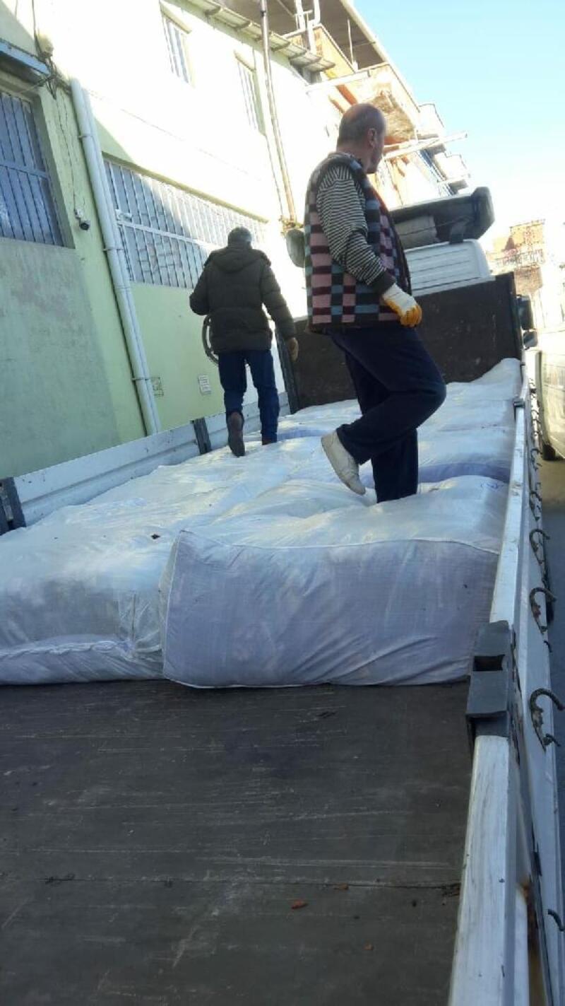 Nazilli'den depremzedelere battaniye yardımı
