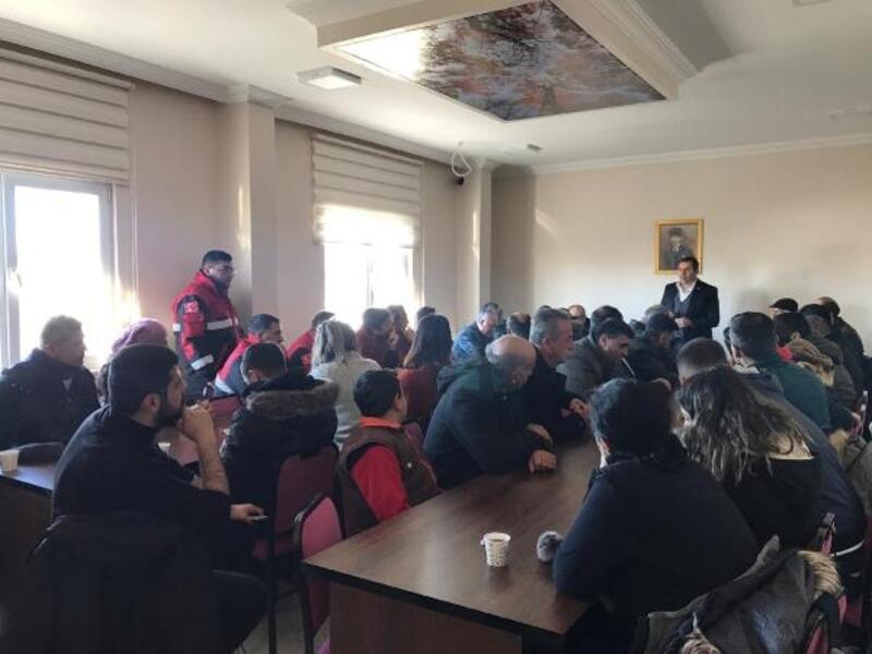 İmranlı'da depremzedeler için yardım seferberliği