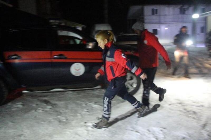 Bolu'dan Elazığ'a arama- kurtarma ekibi gönderildi