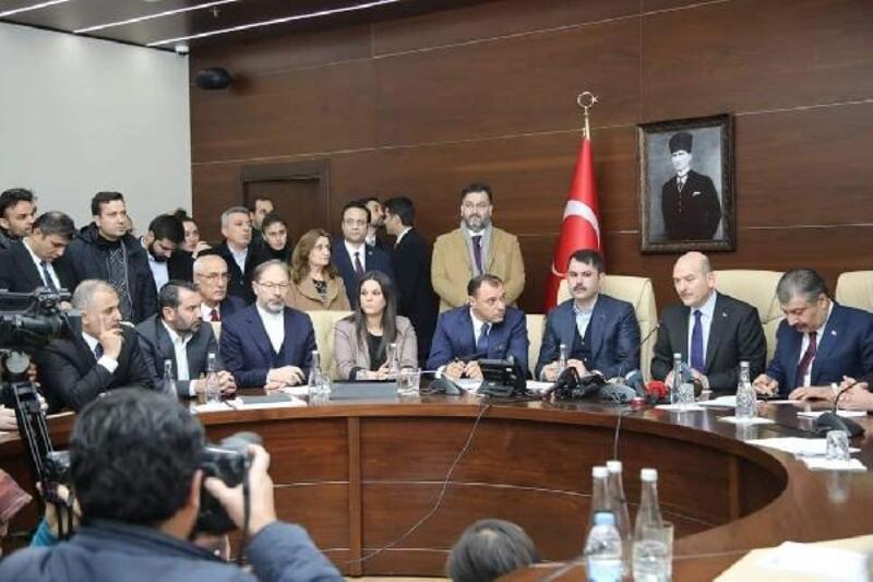3 bakandan açıklama: Depremde 22 kişi hayatını kaybetti, 39 kişi kurtarıldı