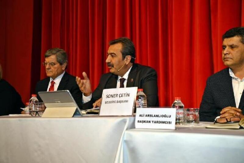 Başkan Çetin'den esnaf kadınlara süre jesti