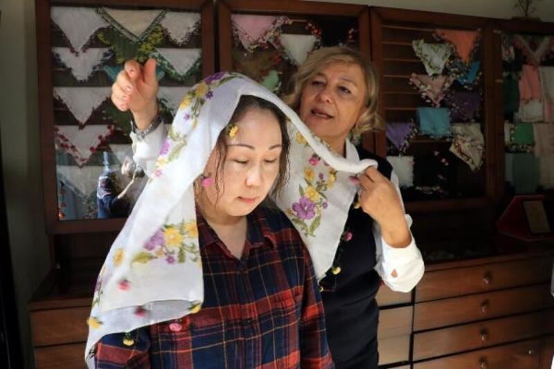Japonya'dan Adana'ya oya sanatını öğrenmek için geldiler
